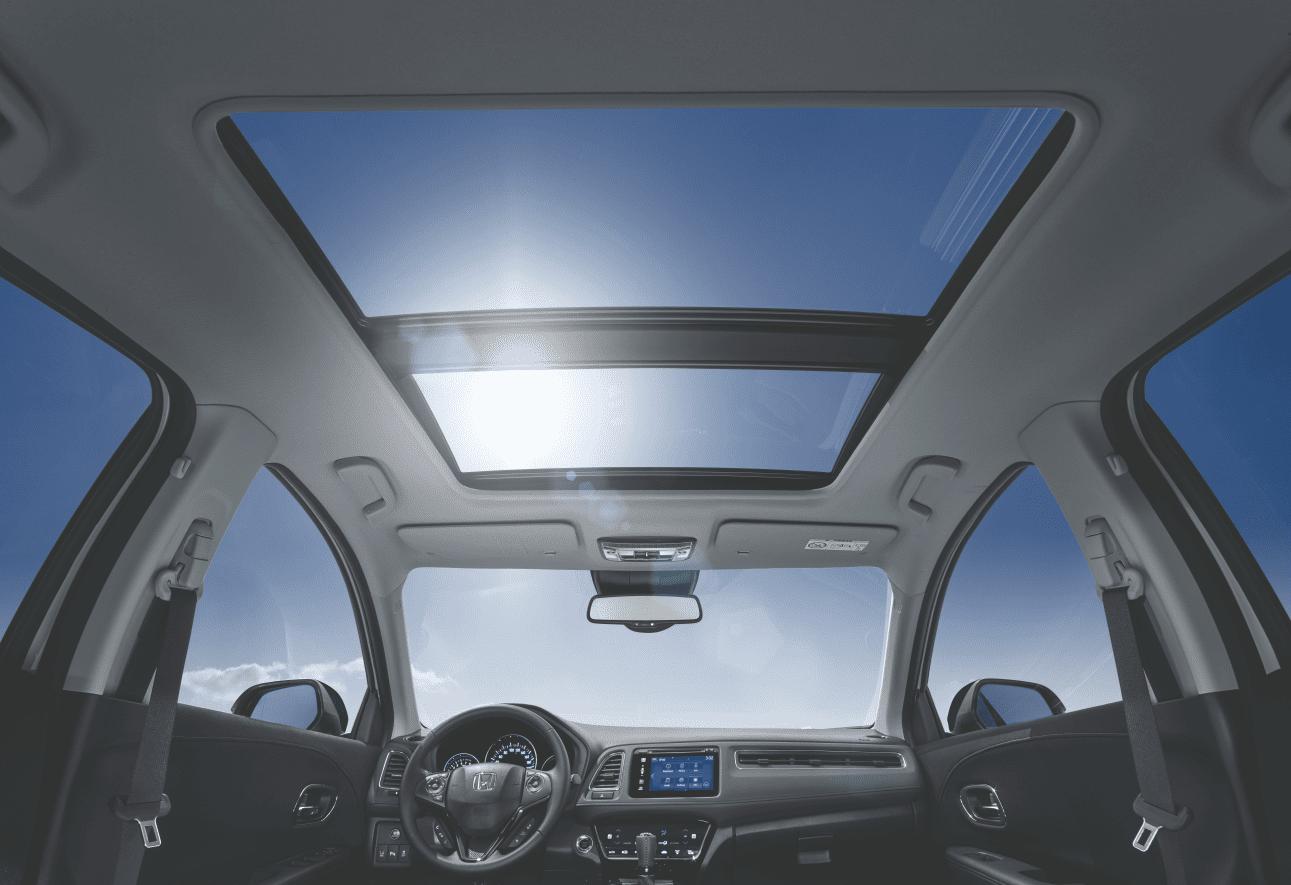 De HR-V is dan wel een kleine SUV, maar hij heeft zo'n ruim en licht interieur dat u – begrijpelijk – zou denken dat u in een grotere auto rijdt.