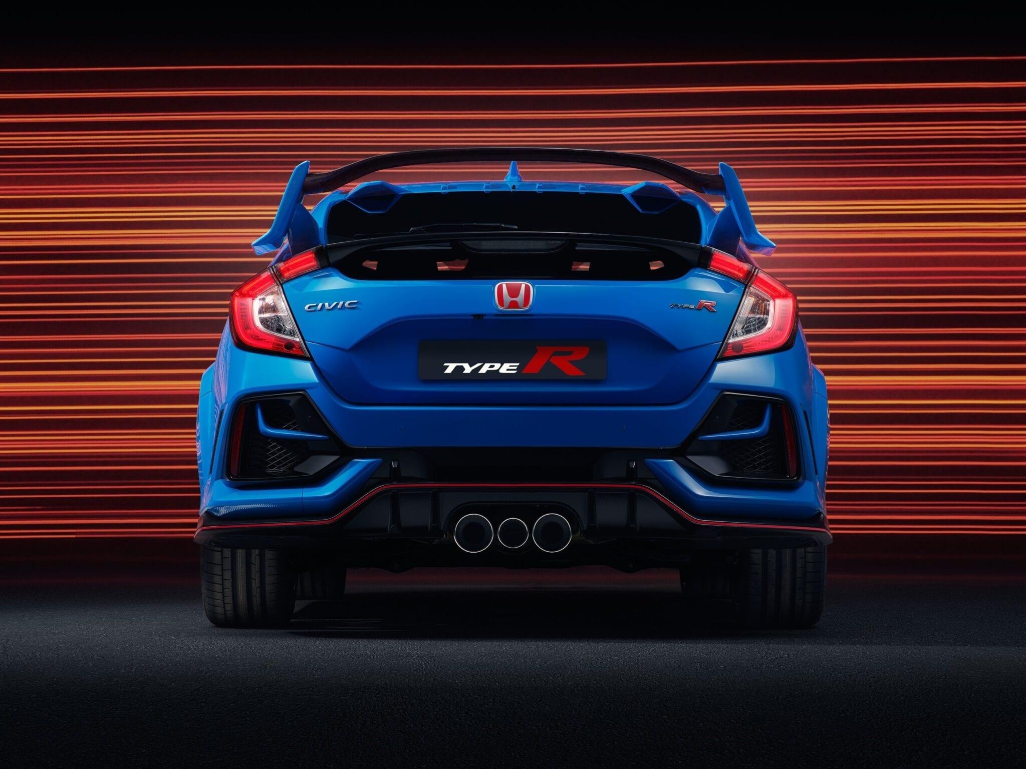 Dit kenmerkende detail verbetert de aerodynamische prestaties door de juiste hoeveelheid neerwaartse kracht te leveren zonder de weerstand te verhogen.