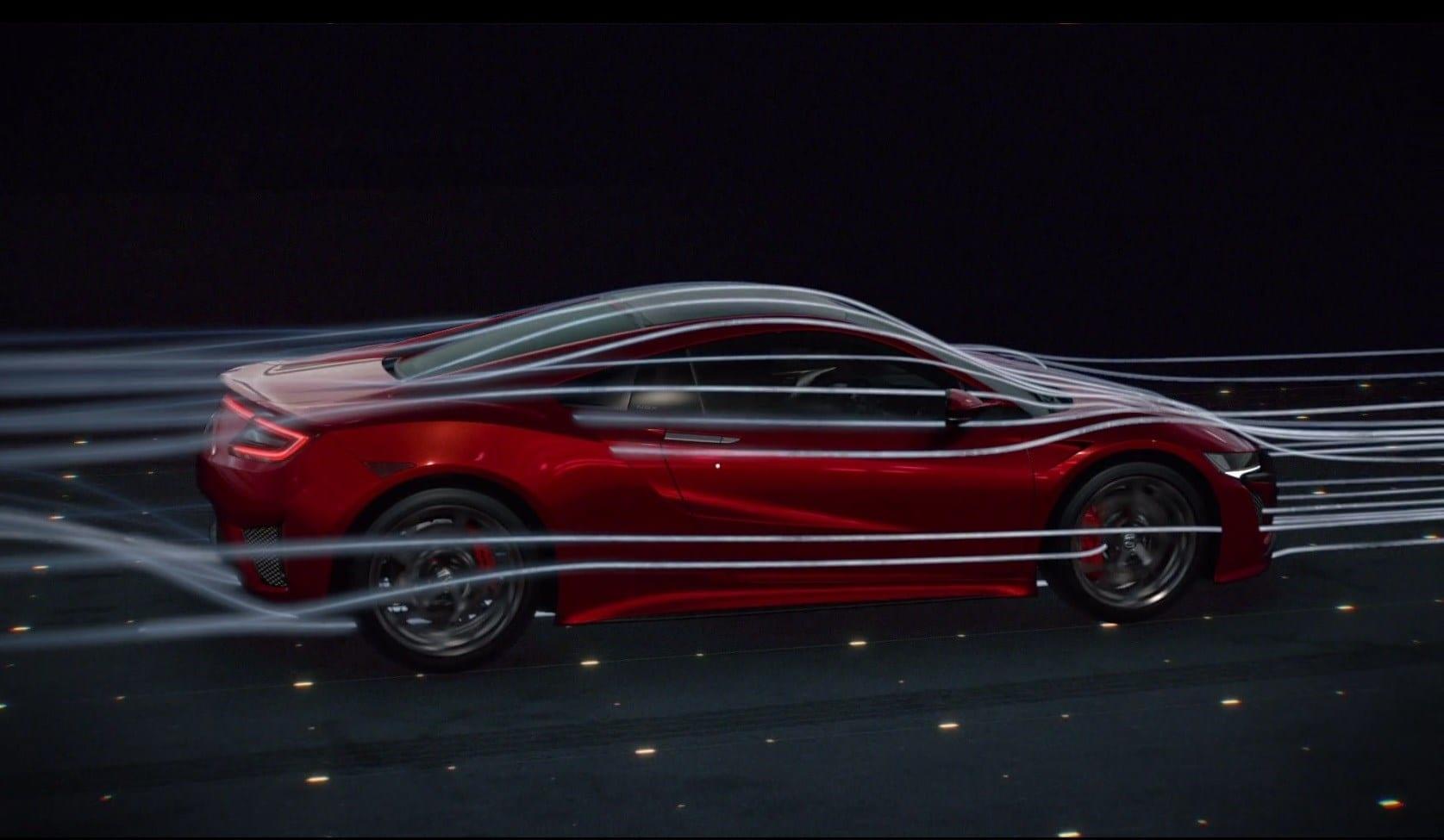 """De carrosserie van de NSX is aerodynamisch perfect en leidt de luchtstroom zo dat prestaties, koeling en neerwaartse kracht worden verbeterd. We noemen het """"verweven dynamiek"""" – het is kunst in beweging."""