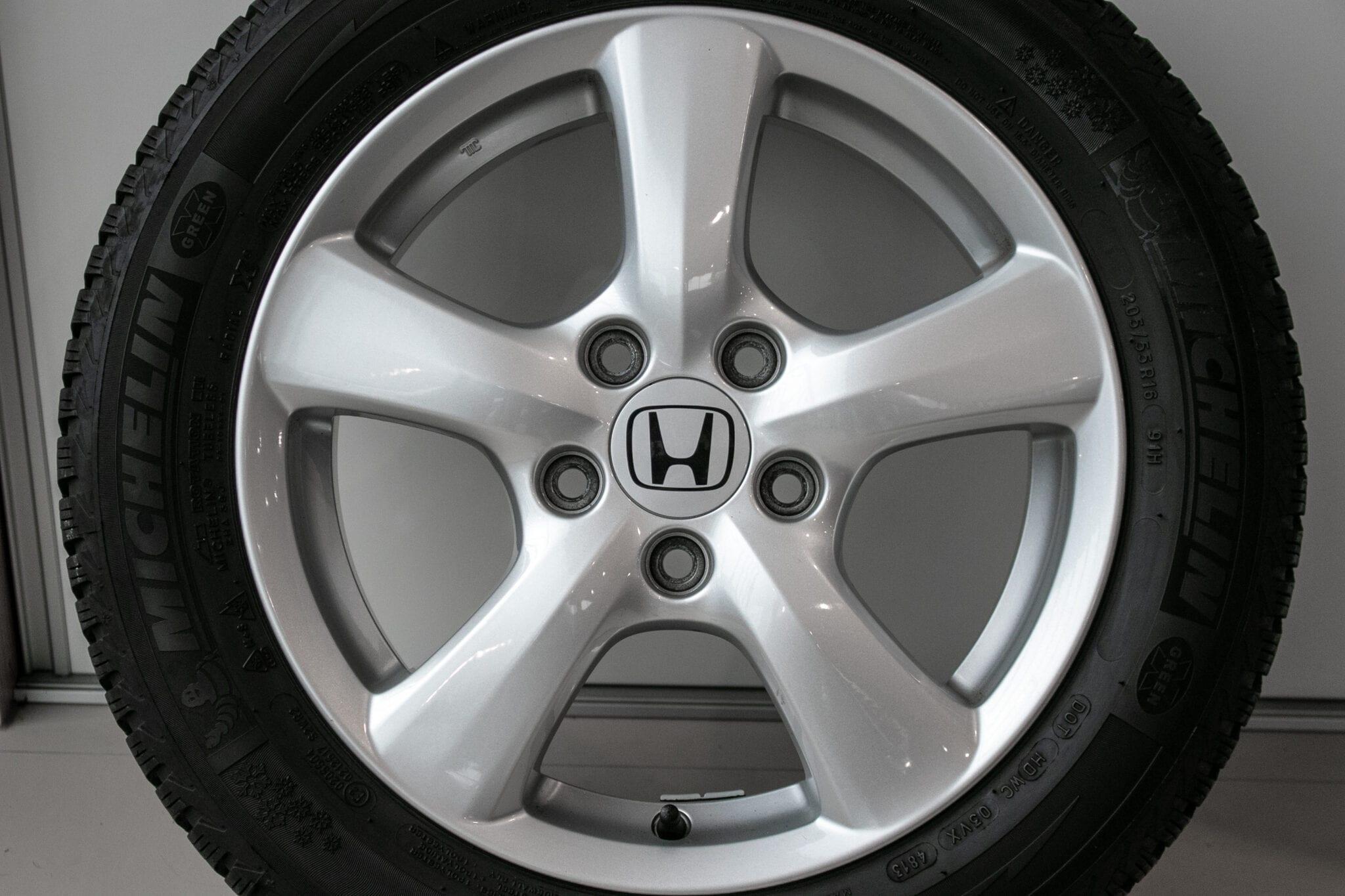"""16"""" Winterwielen voor de Honda Civic 5d Hybrid, de Honda FR-V en de Honda Accord €299,- Gebruikt. Profieldiepte: 5.5mm - 6mm"""