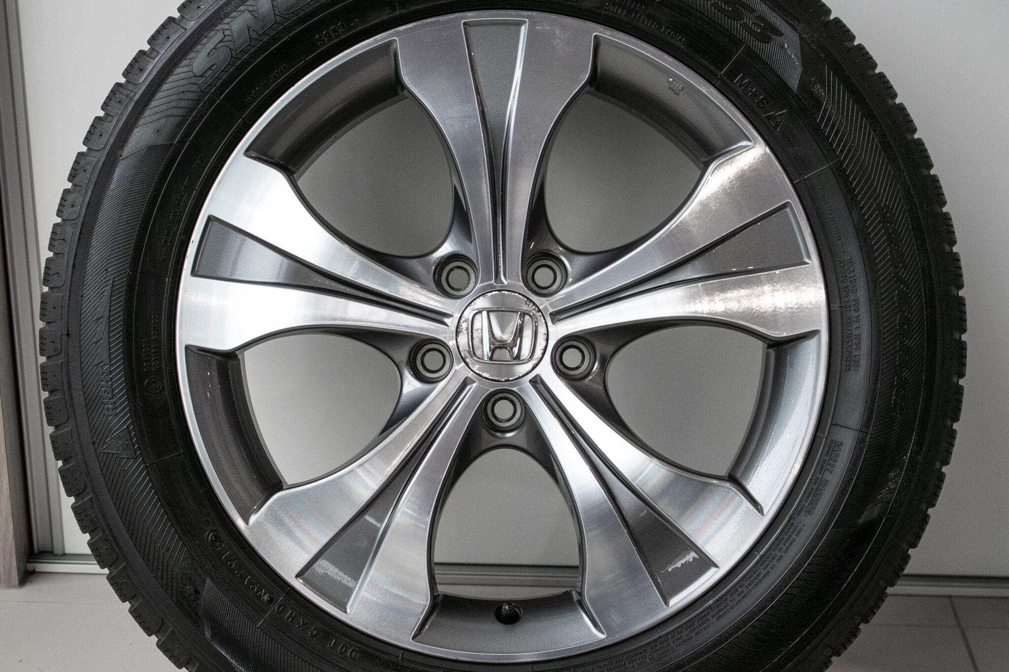 """18"""" Winterwielen voor de Honda CR-V ('07-'17) €599,- Gebruikt. Profieldiepte: 6.3mm - 7.6mm"""