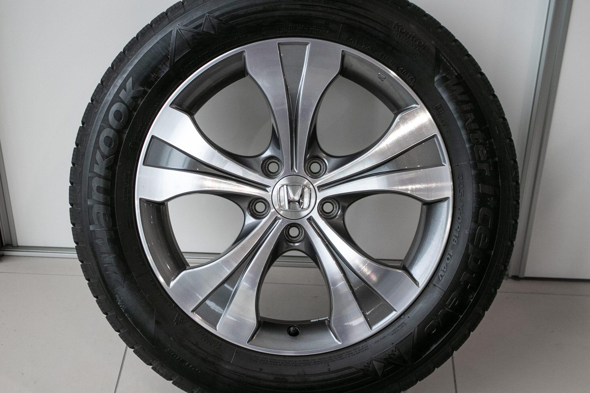 """18"""" Winterwielen voor de Honda CR-V ('07-'17) €599,- Gebruikt. Profieldiepte: 6mm"""