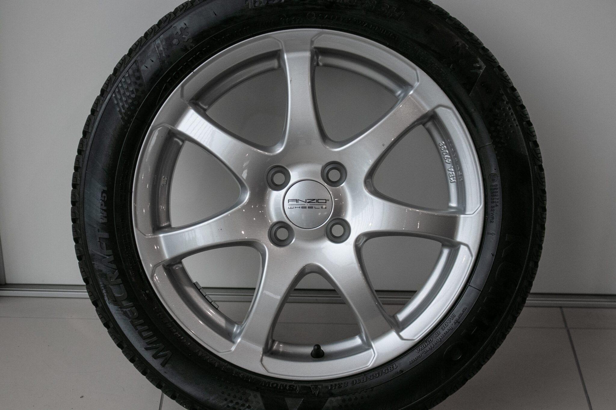 """16"""" Winterwielen voor de Honda Jazz ('09-'19) en de Honda Insight €599,- Gebruikt. Profieldiepte: Z.G.A.N."""