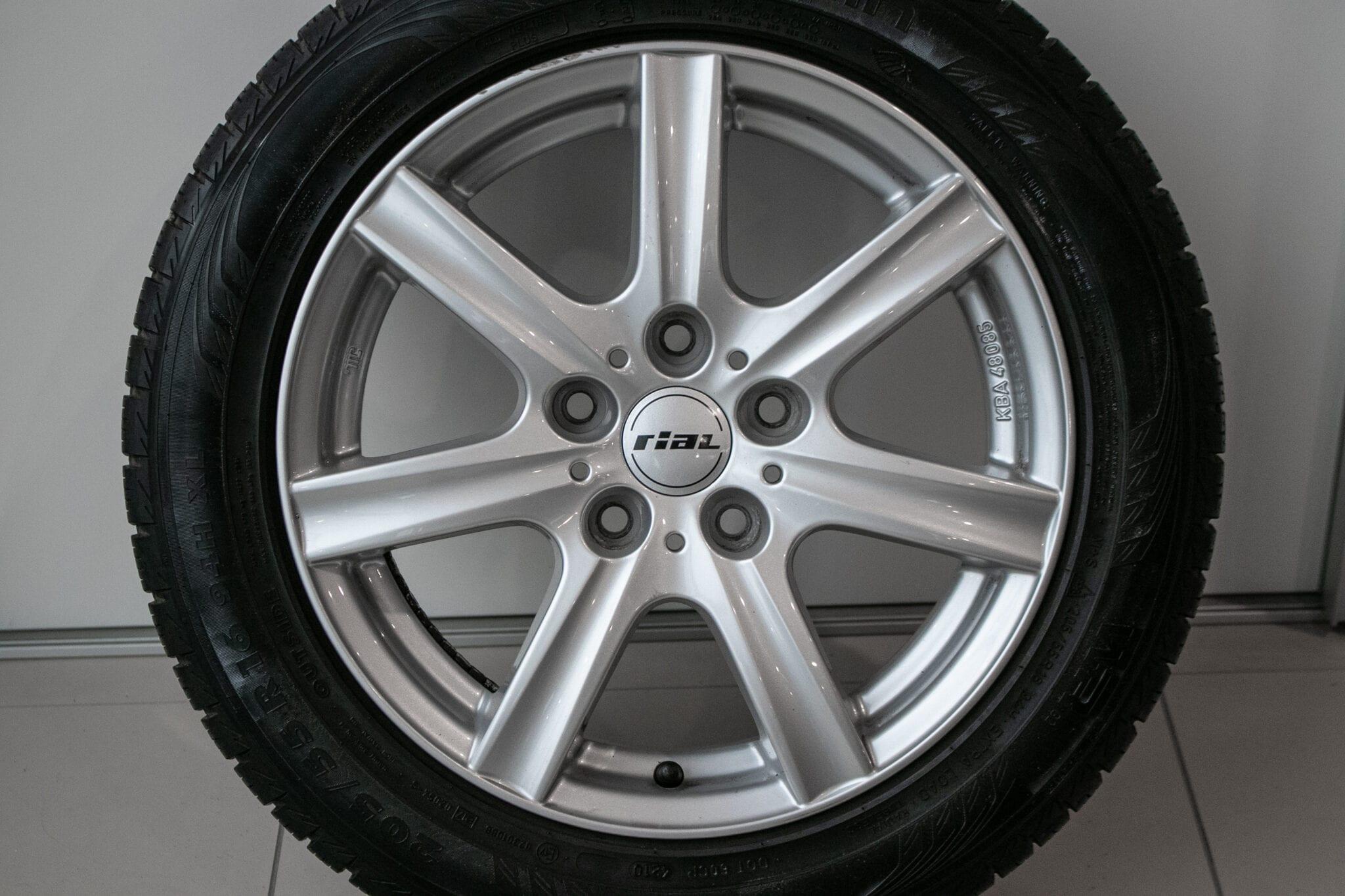 """16"""" Winterwielen voor de Honda Civic 5d Hybrid, de Honda FR-V en de Honda Accord €299,- Gebruikt. Profieldiepte: 5mm - 5.5mm"""