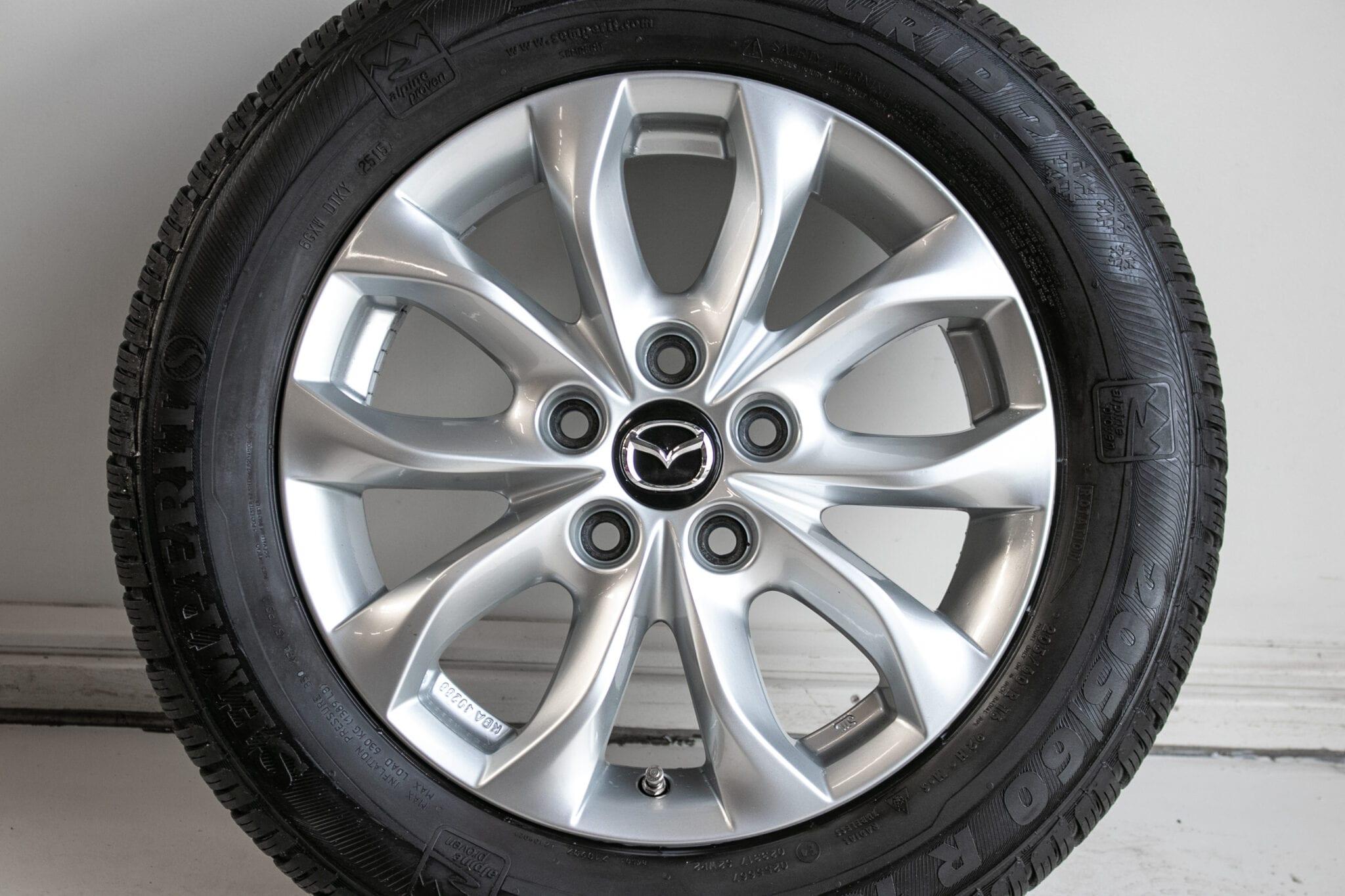 """16"""" Winterwielen voor o.a. een Mazda 3  €399,- Gebruikt. Profieldiepte: 6mm - 6.5mm"""