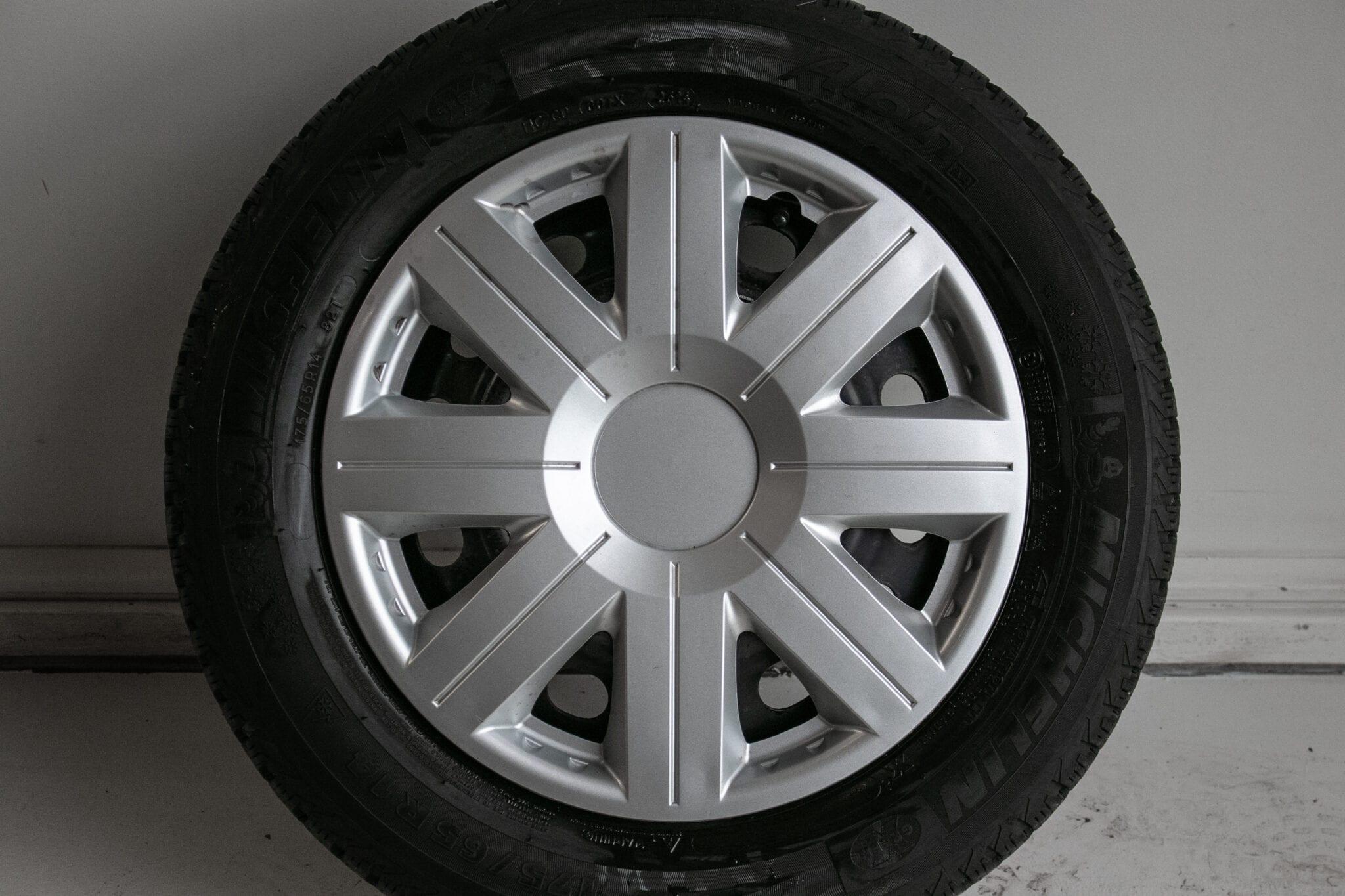 """14"""" Winterwielen voor o.a. een Honda Jazz €199,- Gebruikt. Profieldiepte: 5.5mm - 6mm"""