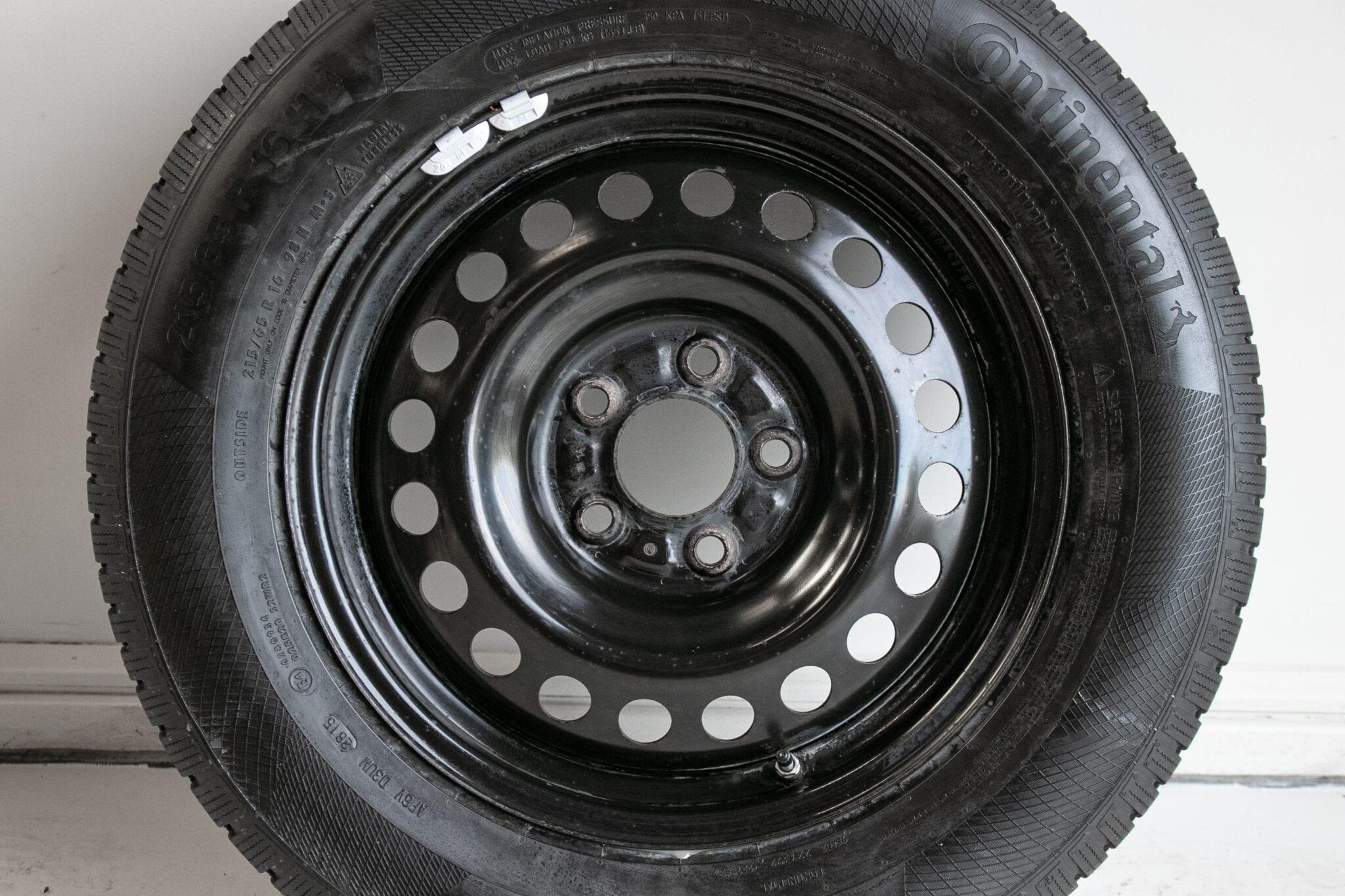 """16"""" Winterwielen voor o.a. een Mitsubishi ASX, Outlander of Eclipse Cross met bandenspanningssensoren. €249,- Gebruikt. Profieldiepte: 5.5mm - 5.8mm"""