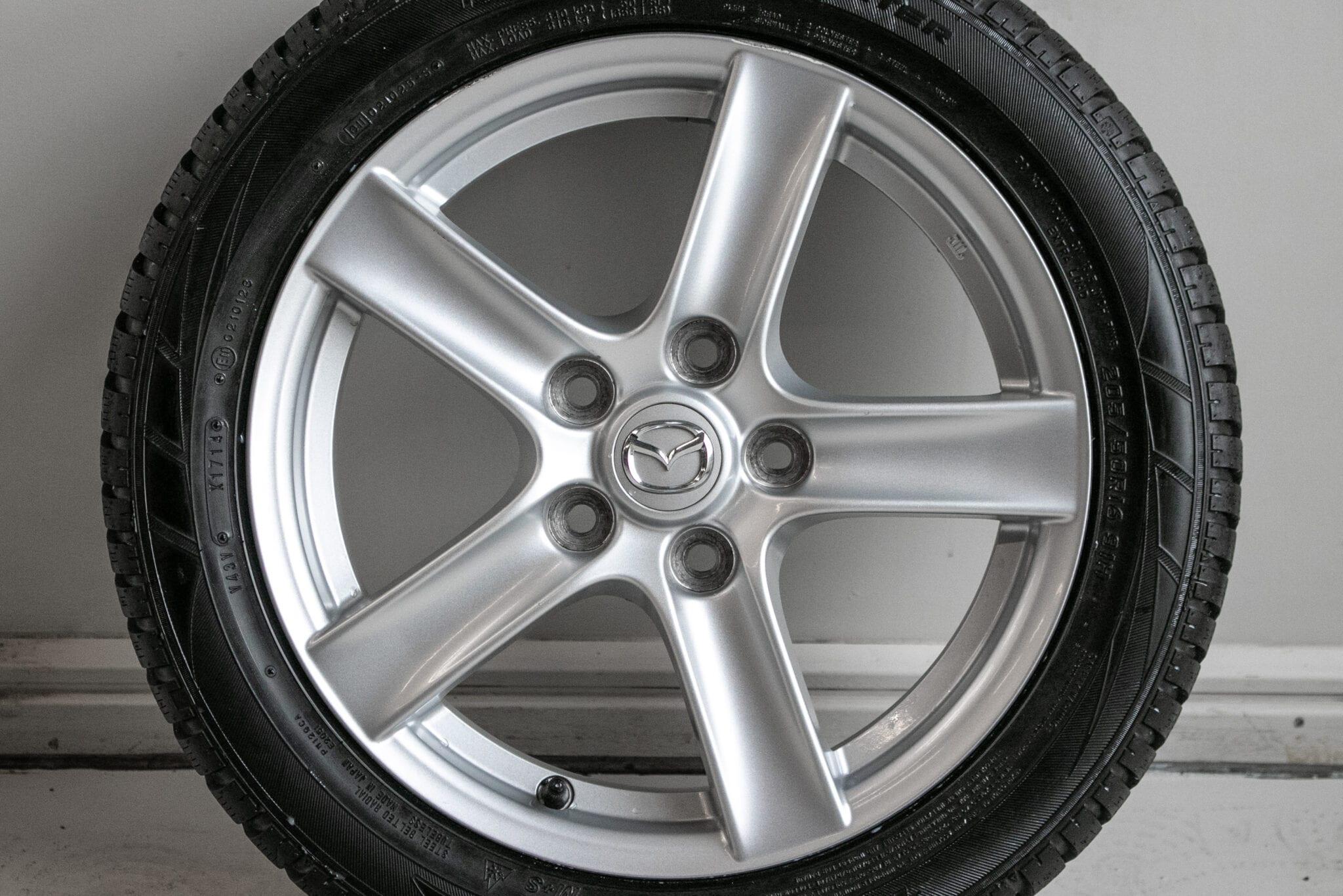 """16"""" Winterwielen voor o.a. een Mazda MX-5 €249,- Gebruikt. Profieldiepte: 6.5mm - 7mm"""