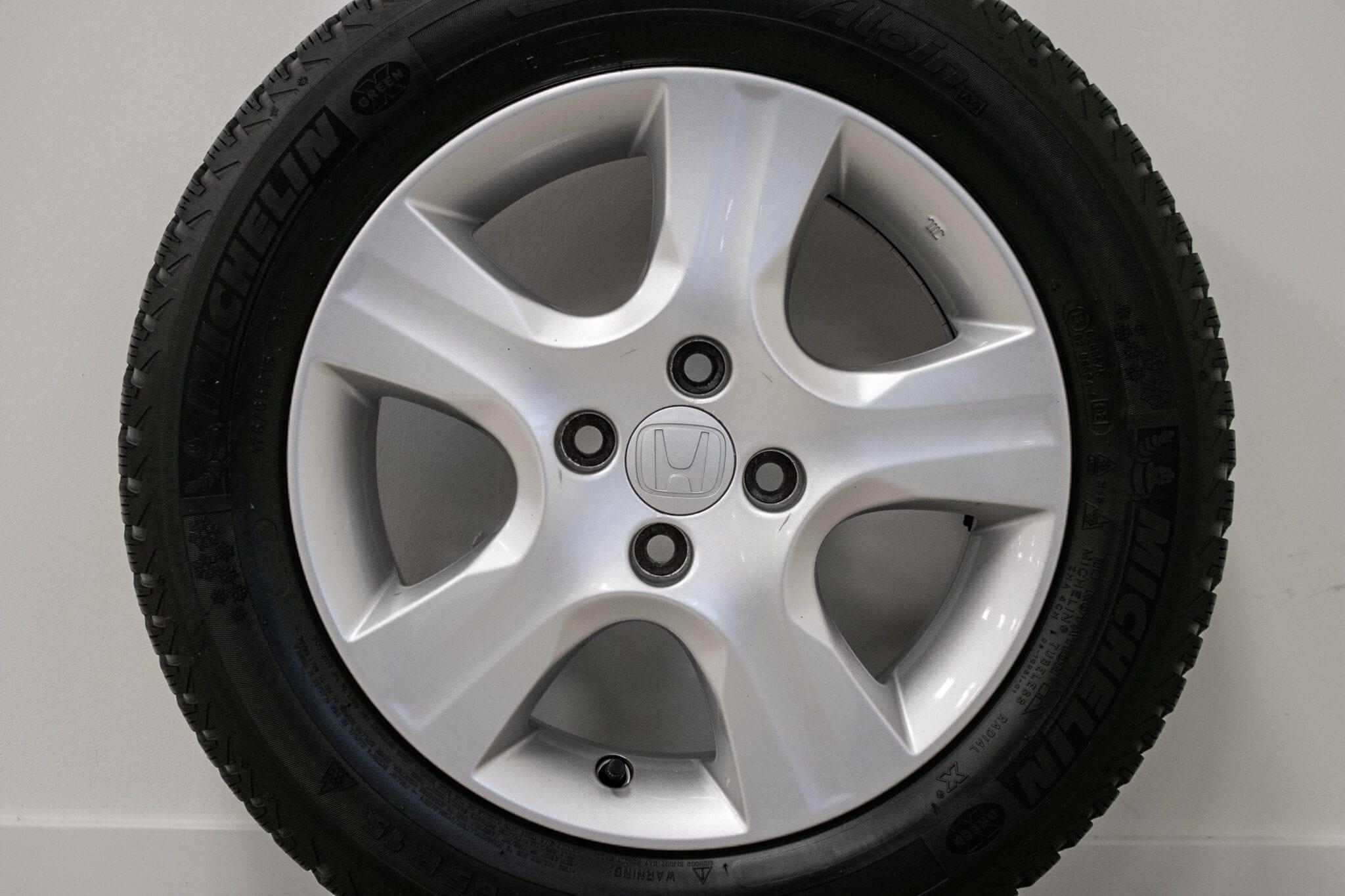 """15"""" Winterwielen voor de Honda Jazz & Insight ('09-'19) €349,- Gebruikt. Profieldiepte: 5.2mm - 5.5mm"""