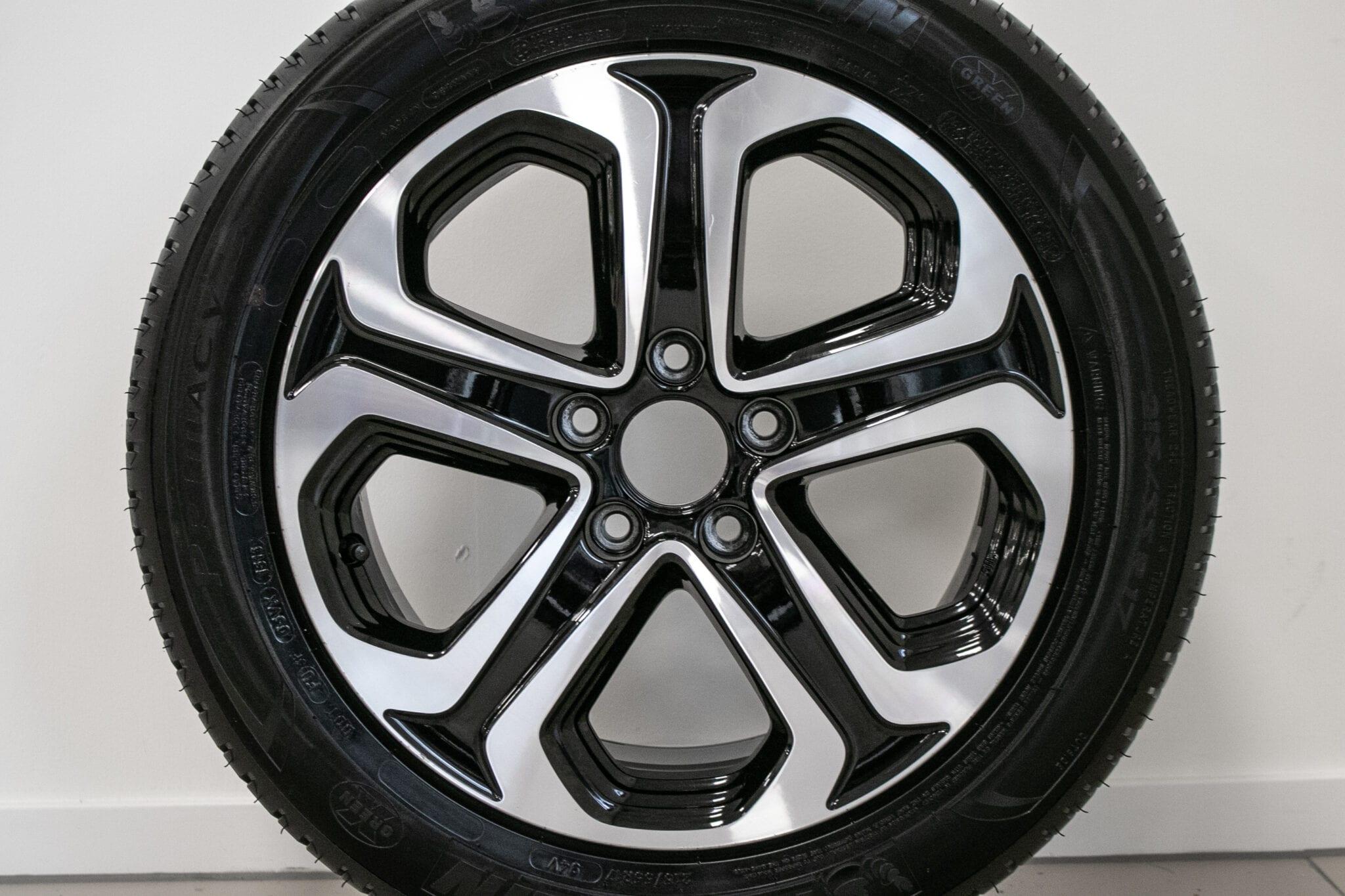 """17"""" Zomerwielen voor de Honda HR-V ('16>) €649,- Gebruikt. Profieldiepte: 6.3mm"""