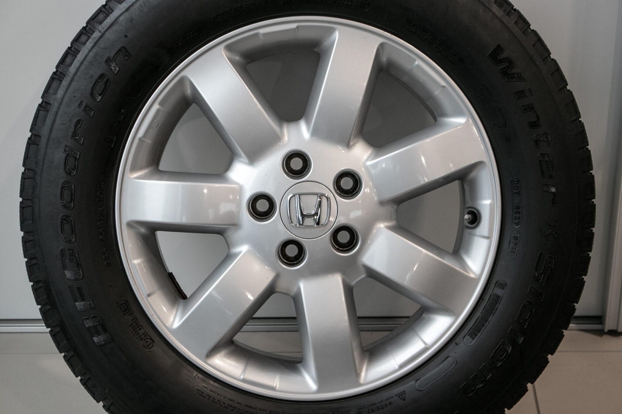 """17"""" Winterwielen voor de Honda CR-V ('07-'17) €399,- Gebruikt. Profieldiepte: 5.5mm - 5.6mm"""