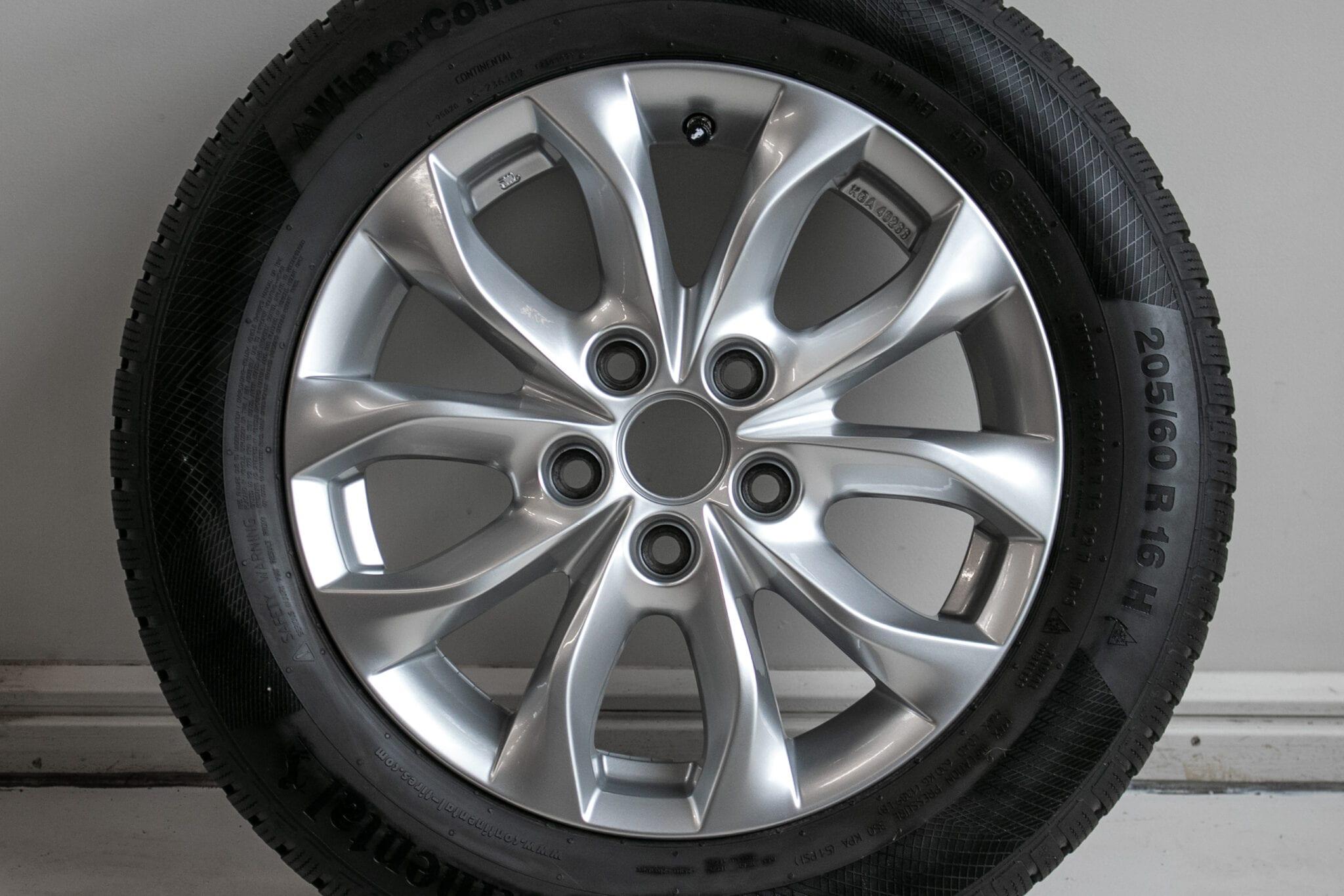 """16"""" Winterwielen voor o.a. een Mazda 3  €399,- Gebruikt. Profieldiepte: 6.2mm - 6.8mm"""