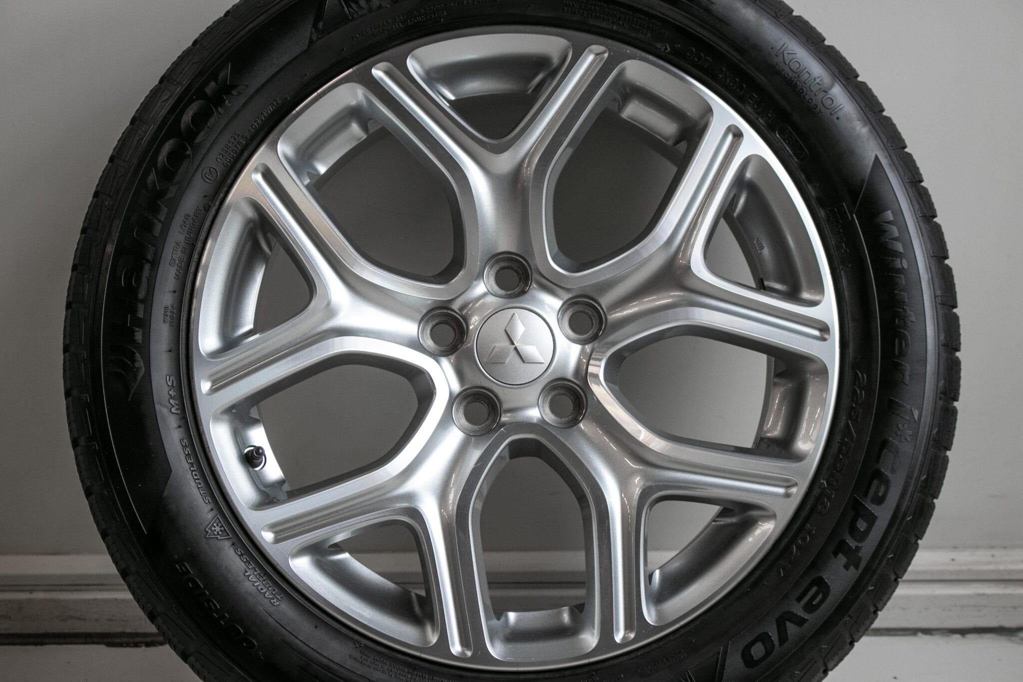 """18"""" Winterwielen voor een Mitsubishi Outlander (PHEV)  €399,- Gebruikt. Profieldiepte: 5.5mm - 6.2mm"""