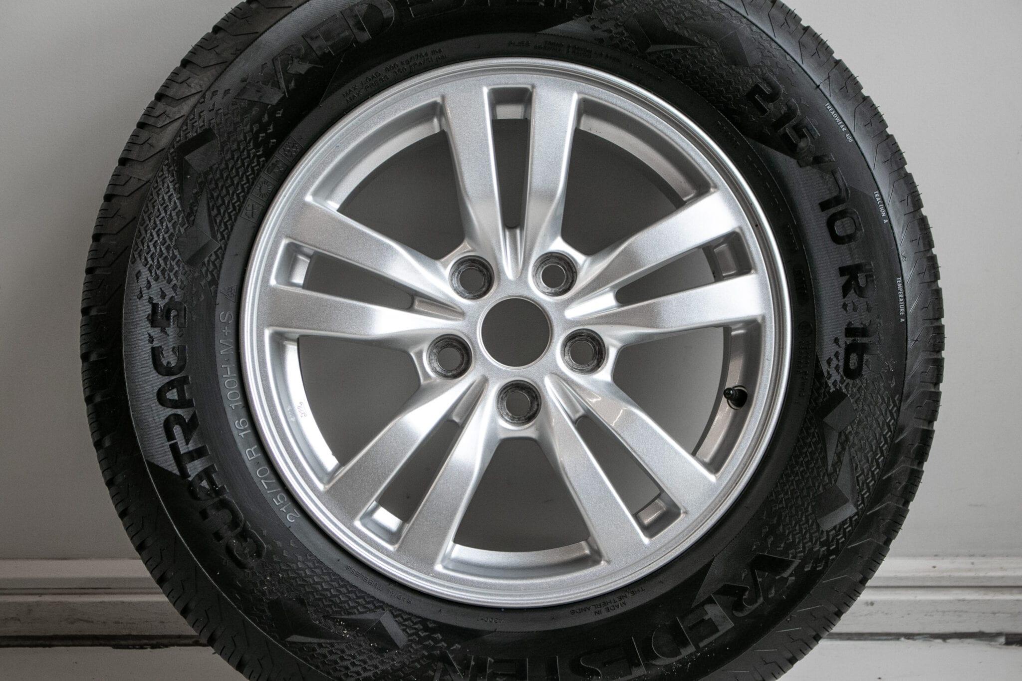 """16"""" Winterwielen voor o.a. Mitsubishi ASX, Outlander of Eclipse Cross met bandenspanningssensoren. €499,- Gebruikt. Profieldiepte: 6.2mm - 6.8mm"""