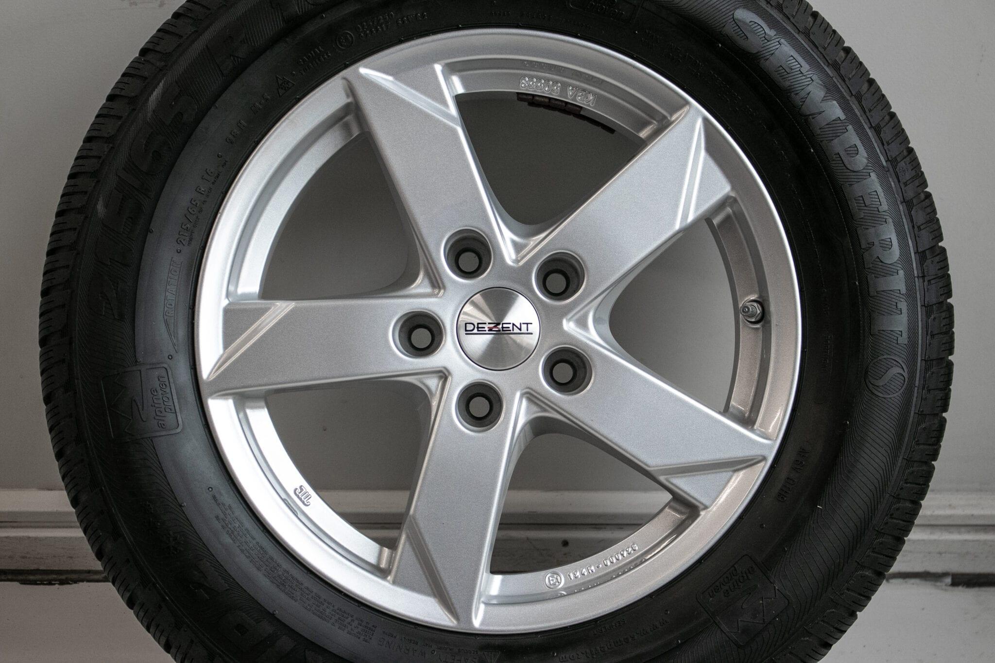 """16"""" Winterwielen voor o.a. Mitsubishi ASX, Outlander of Eclipse Cross met bandenspanningssensoren. €499,- Gebruikt. Profieldiepte: 5.8mm - 6mm"""