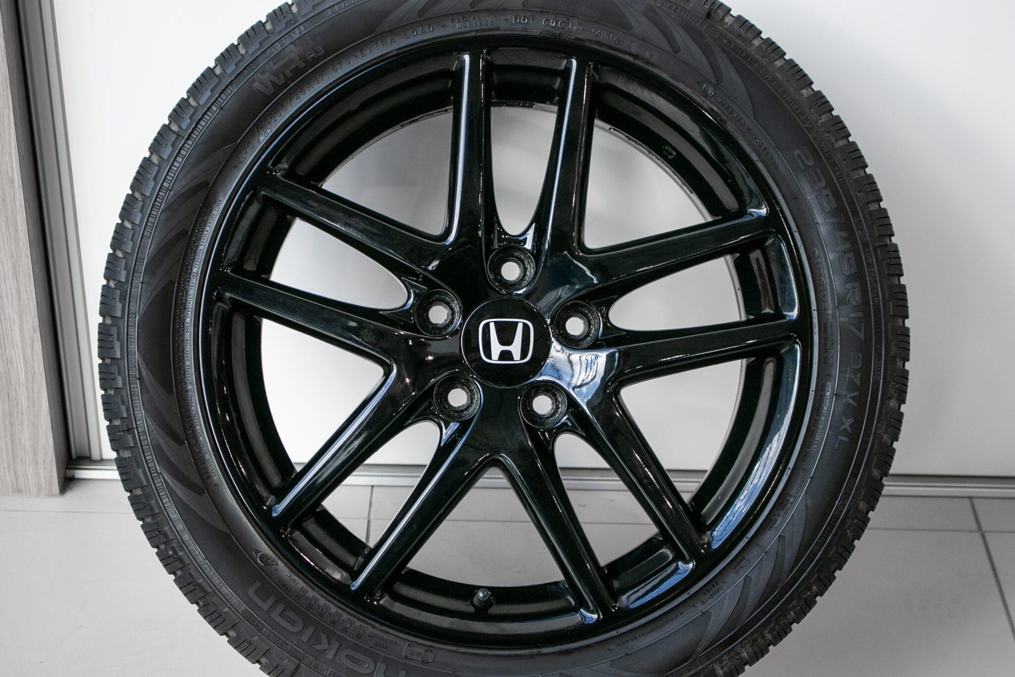 """17"""" Winterwielen voor de Honda Civic ('17-'20) €599,- Gebruikt. Profieldiepte: 6.8mm - 7.0mm"""