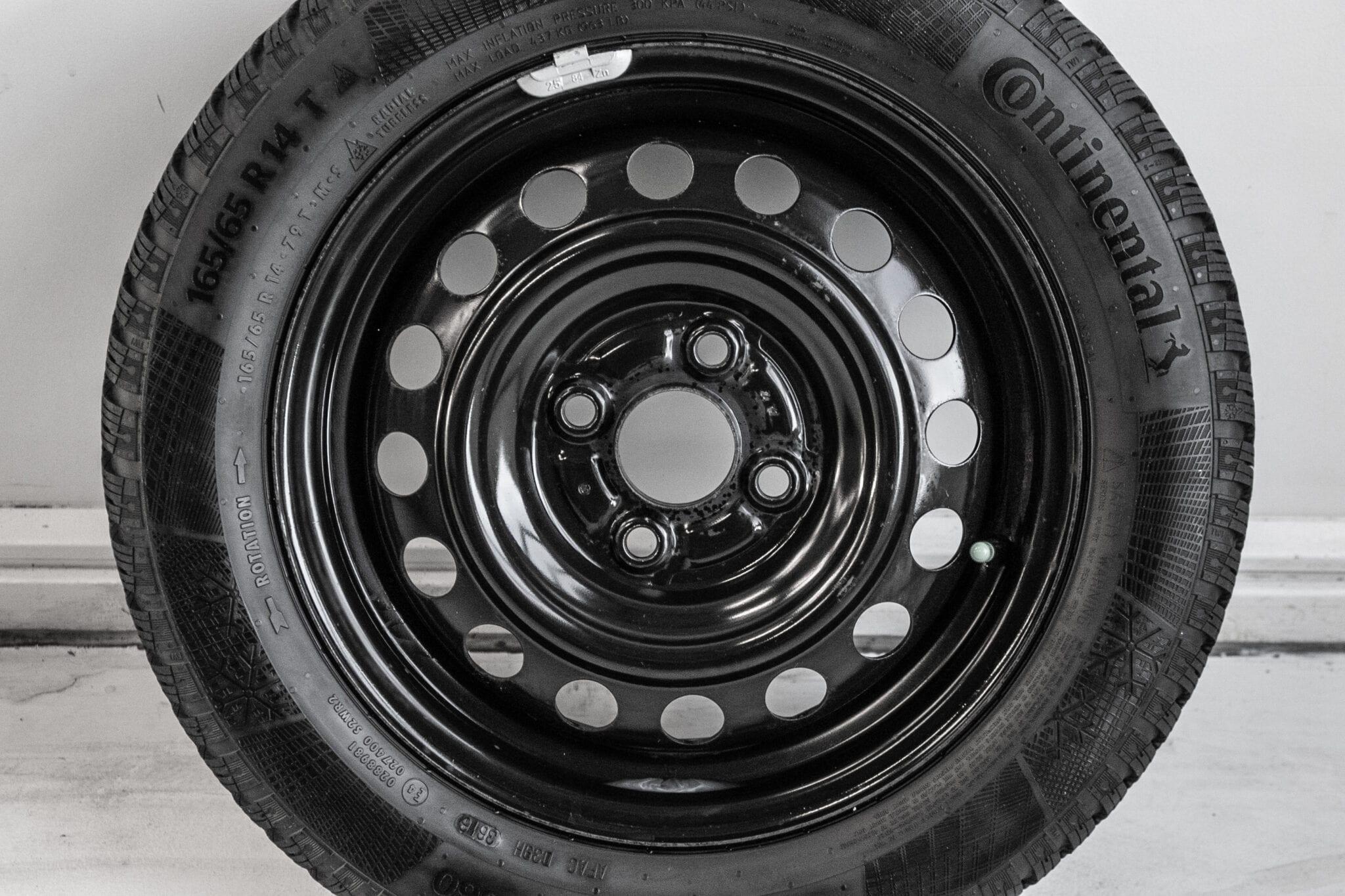 """14"""" Winterwielen voor de Mitsubishi Spacestar €249,- Gebruikt. Profieldiepte: 6.4mm - 7.8mm"""