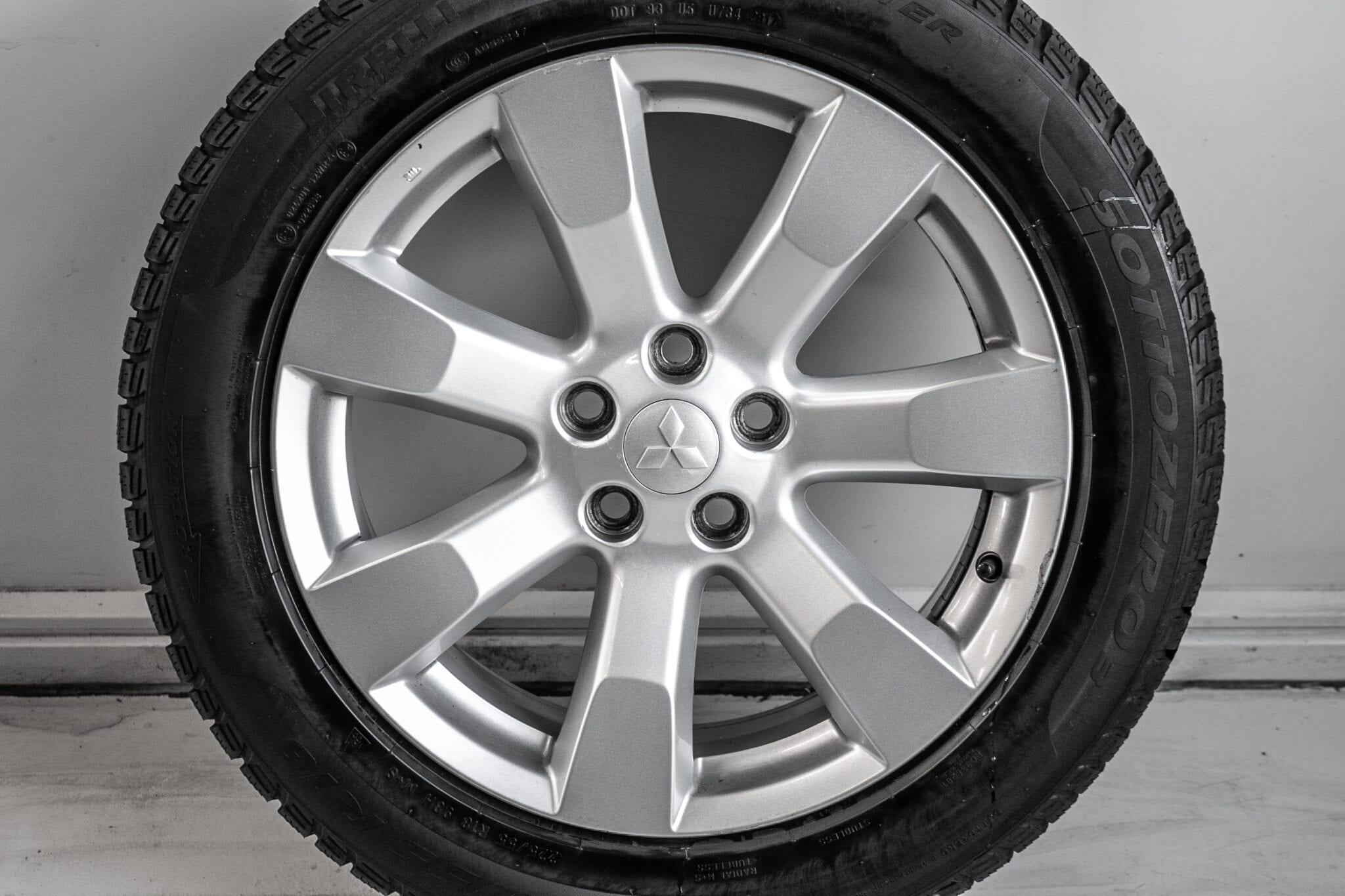 """18"""" Winterwielen voor een Mitsubishi Outlander (PHEV)  €349,- Gebruikt. Profieldiepte: 4.4mm - 5.5mm"""